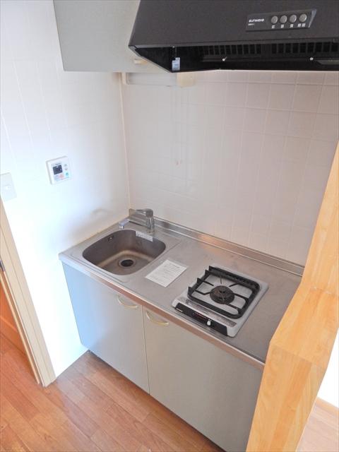 オーブ柏座 01030号室のキッチン