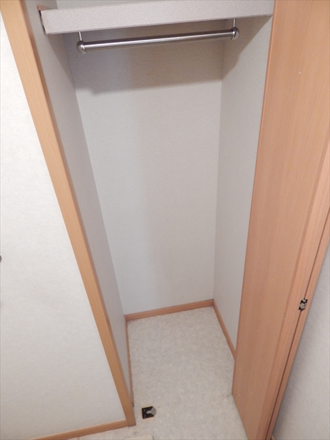オーブ柏座 01030号室の収納