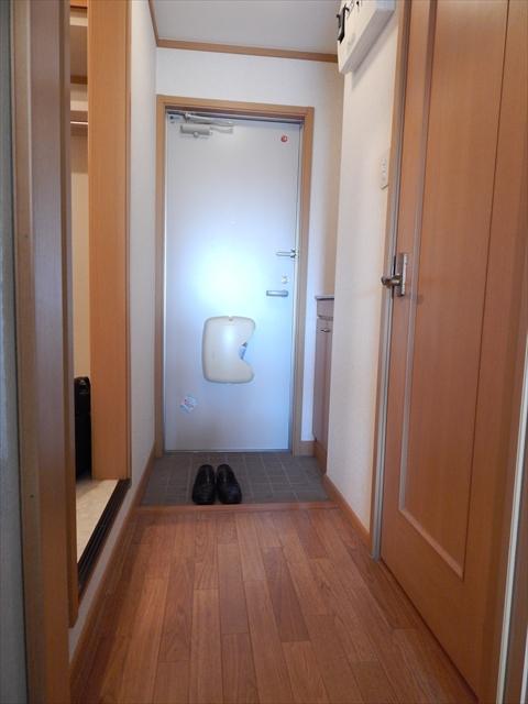 オーブ柏座 01030号室の玄関