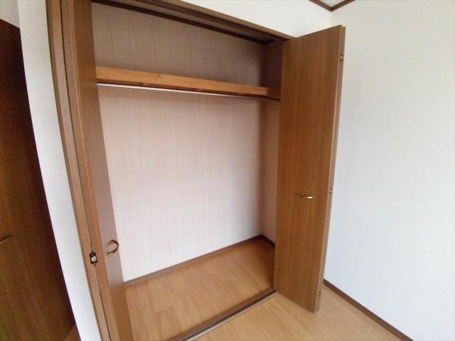 ジェニトーリⅡ 02010号室の収納