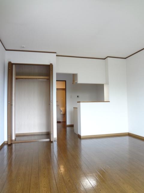 ツイン・ミラージュ 02030号室の居室