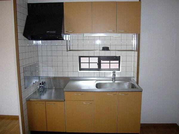 パイングローヴヒルズB 02020号室のキッチン