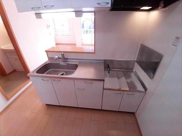 バ-ミィ・ブリ-ズ 02040号室のキッチン