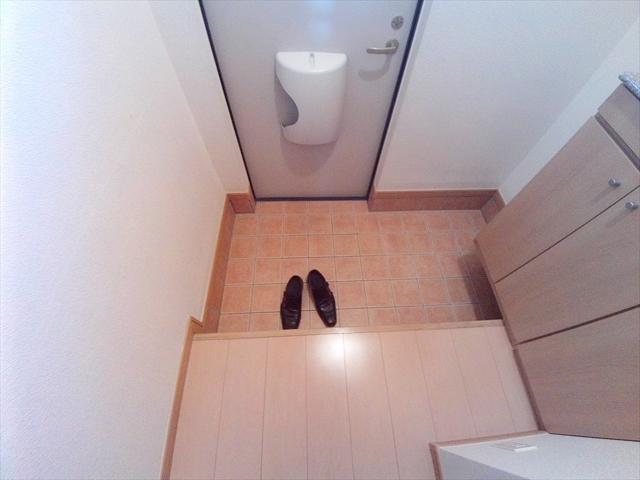 バ-ミィ・ブリ-ズ 02040号室の玄関