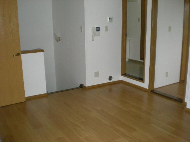 エテ・サンバティ-ク 02020号室のリビング