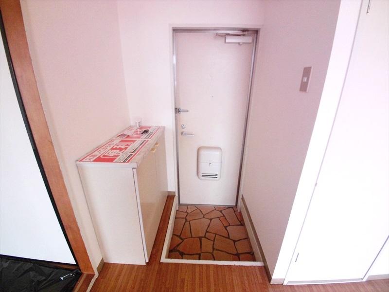 マロンガーデンT・K 02020号室の玄関