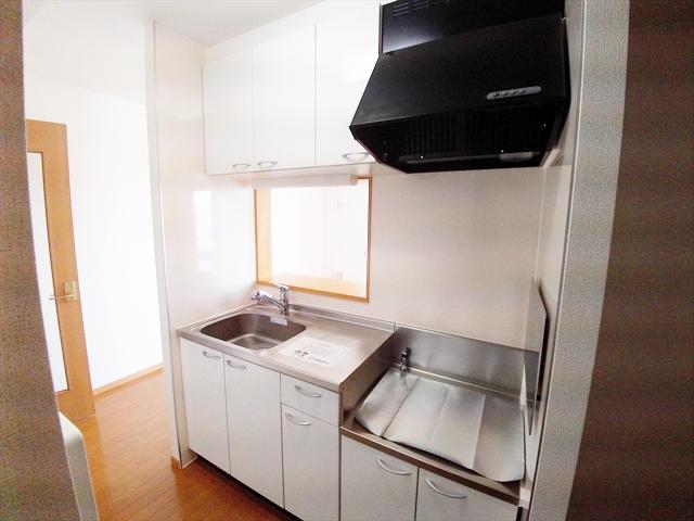 ゴールドレジデンスⅢ 03040号室のキッチン