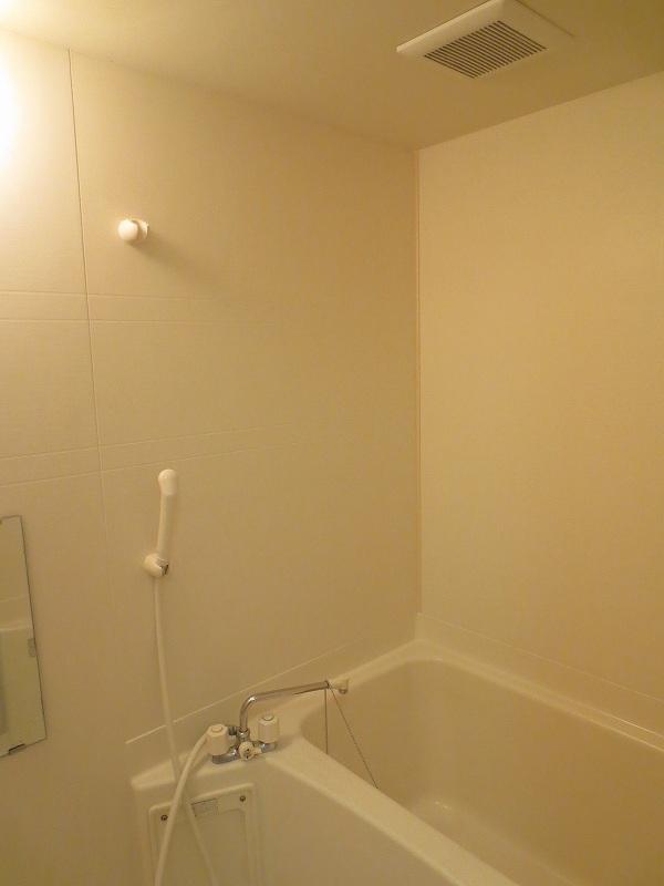 ウエスト 21 02010号室の風呂