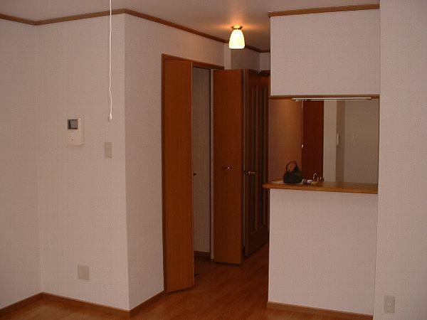 メゾン・アローン 02040号室の玄関