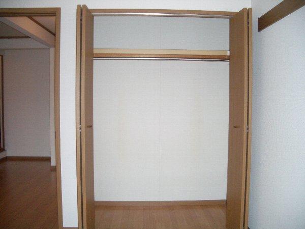 ラベンダー・K 02020号室の収納