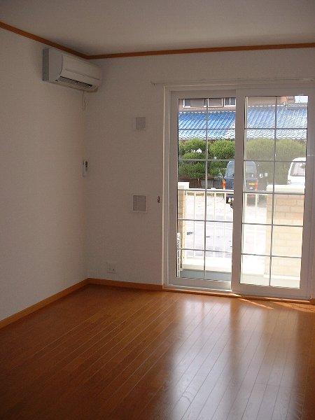 コート・プラザB 01030号室の玄関