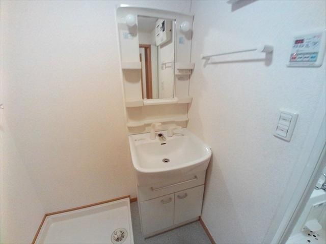 プロムナード 01020号室の洗面所