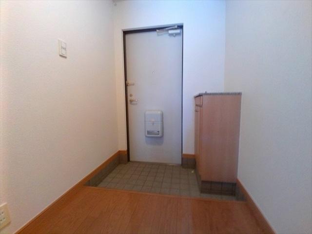 プロムナード 01020号室の玄関