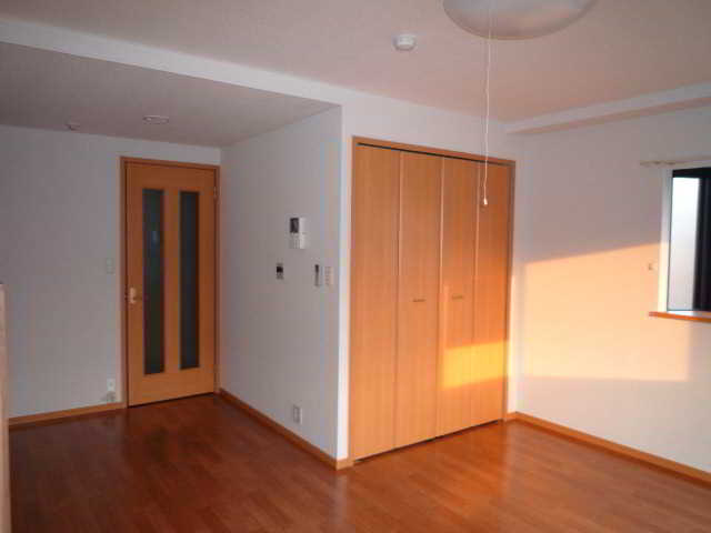 プロムナード 02010号室の居室