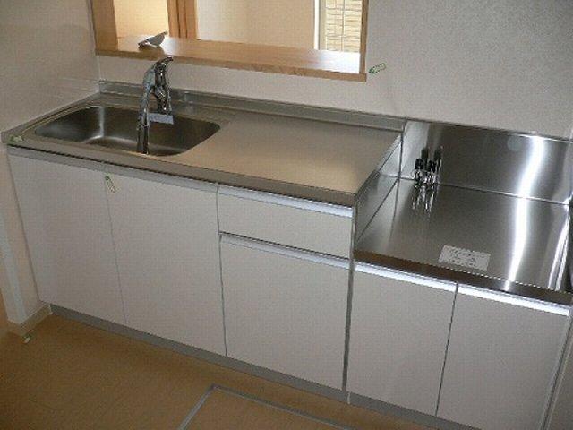 プラティ-クⅡ 01020号室のキッチン
