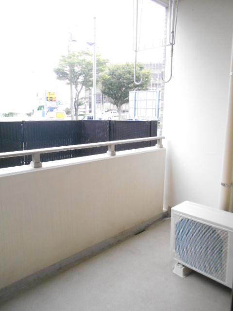 プレ・アビタシオン春日部Ⅱ 01050号室のバルコニー