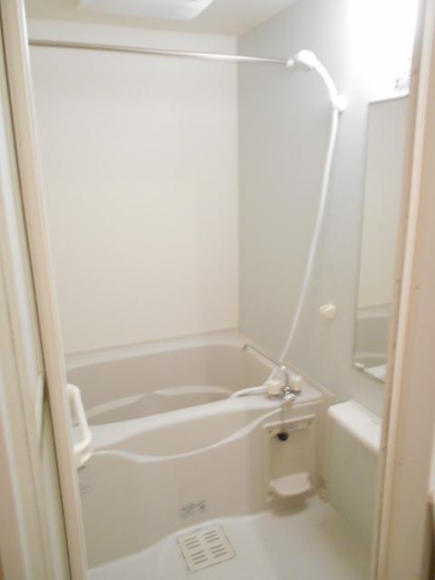 プレ・アビタシオン春日部Ⅱ 01050号室の風呂