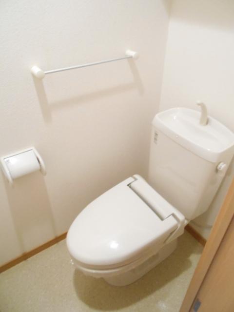 プレ・アビタシオン春日部Ⅱ 01050号室のトイレ