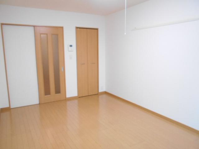 プレ・アビタシオン春日部Ⅱ 01050号室の居室