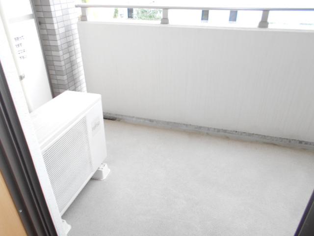 プレ・アビタシオン春日部Ⅱ 02040号室のバルコニー