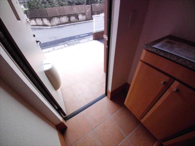 シャルマン弐番館 02010号室の玄関