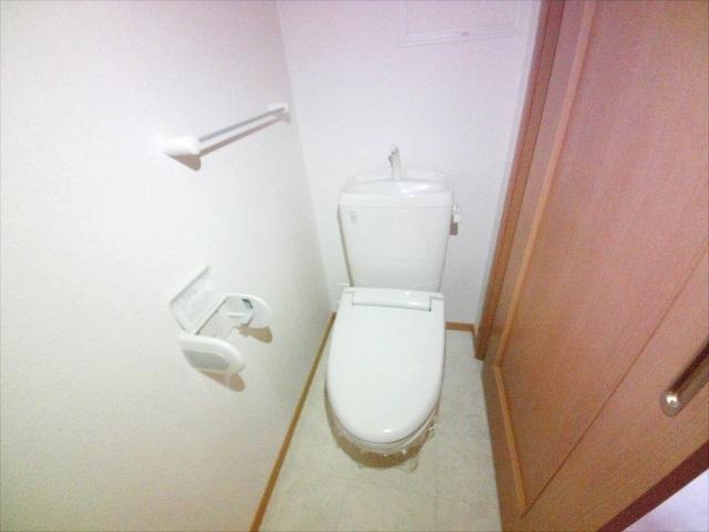 シャルマン弐番館 02010号室のトイレ