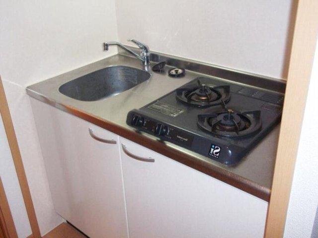 カルム・セーズ 02040号室のキッチン
