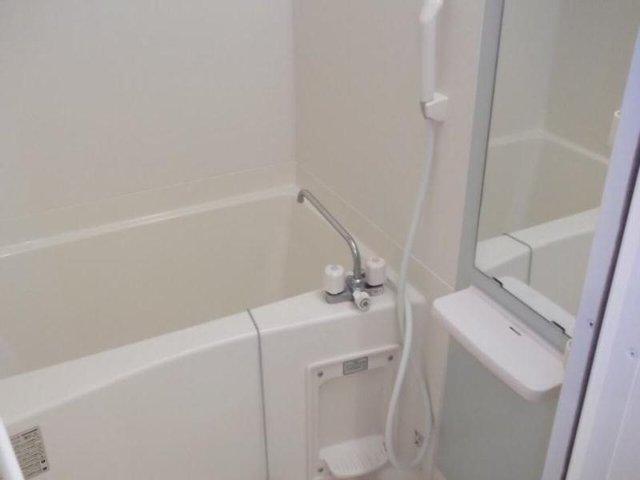 カルム・セーズ 02040号室の風呂