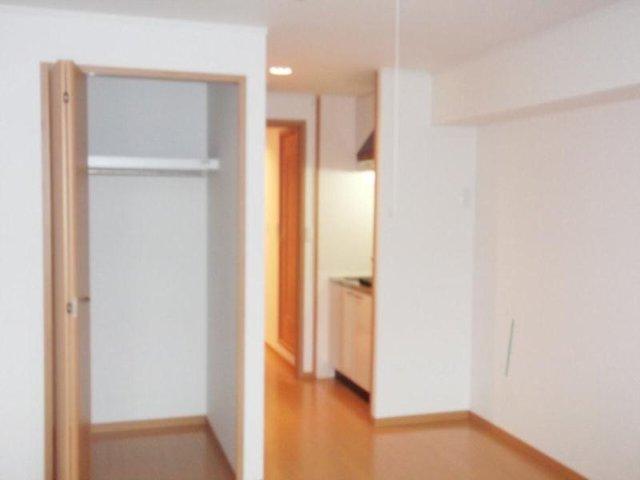カルム・セーズ 02040号室のリビング