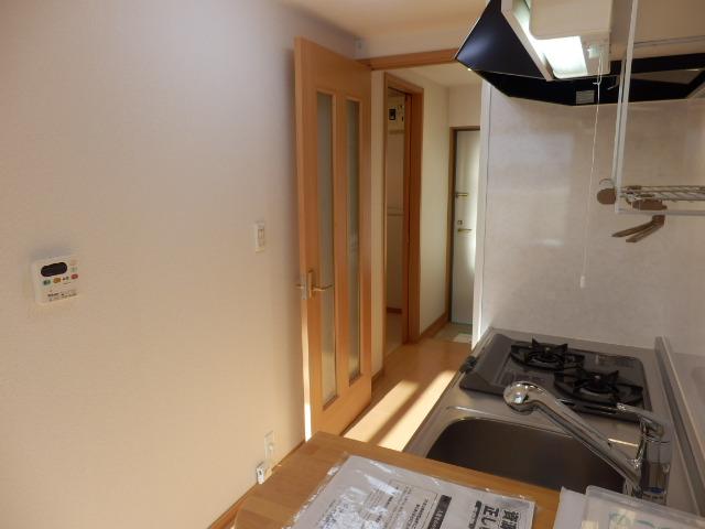 ブローテ本厚木 02010号室のキッチン