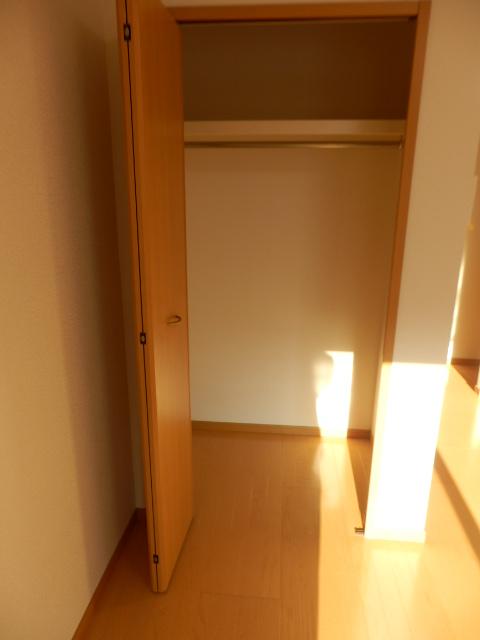 ブローテ本厚木 02010号室の収納