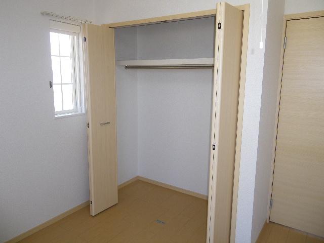 ガーデンハウスKT 02010号室の収納