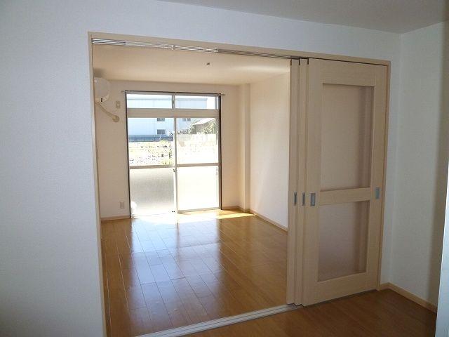 エルディムモリ 02030号室のリビング