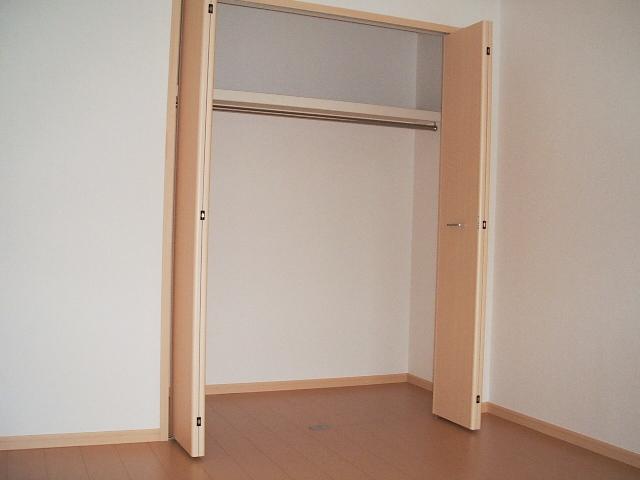エルディムモリ 02030号室の収納