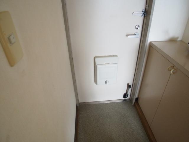 ルミエールハウス 02010号室の玄関