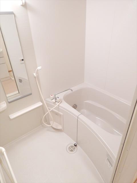 キュ-ズ・エスポワ-ル 02050号室の風呂