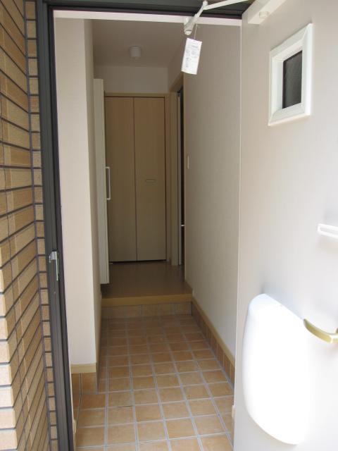 サンライズグリーンパーク 01030号室の玄関