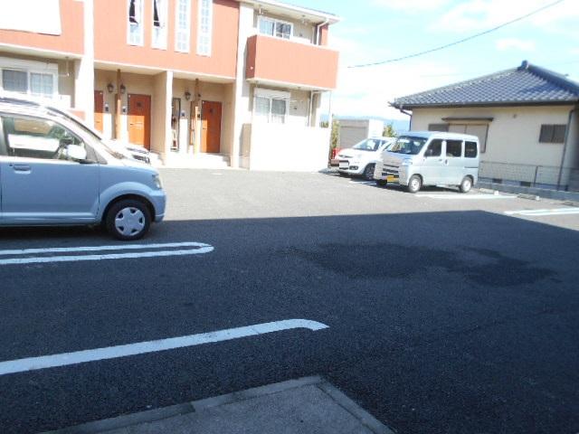 ケーハウスA 01010号室の駐車場