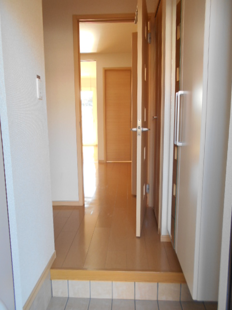 ケーハウスA 01010号室の玄関