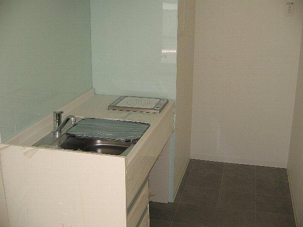 コンフォートスクエア 02010号室のキッチン