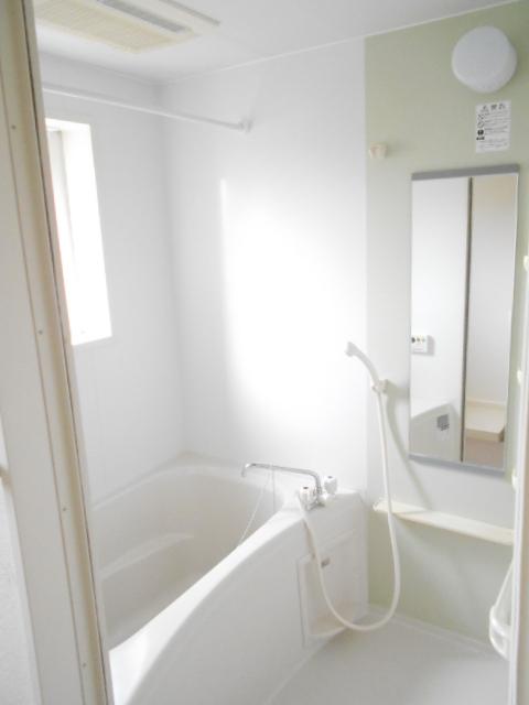 プリムローズⅢ 02010号室の風呂