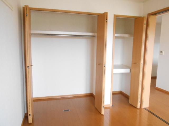 プリムローズⅢ 02010号室の収納