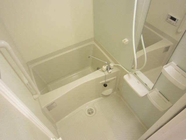 ソレイユ 01030号室の風呂