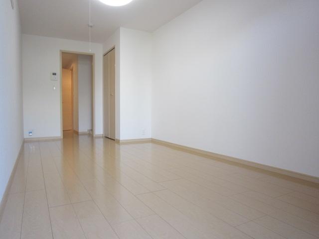 ソレイユ 01030号室のリビング