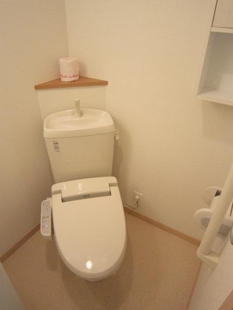 ソレイユ 01030号室のトイレ