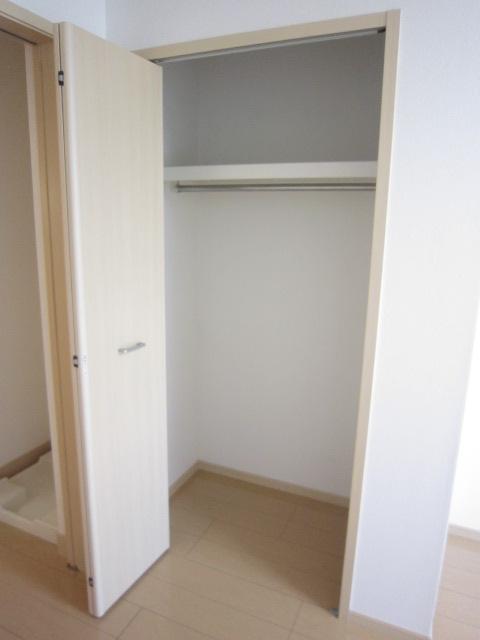 ソレイユ 01030号室の収納