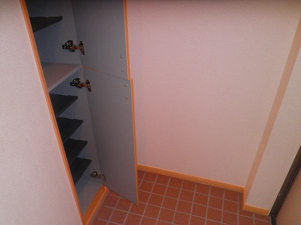 ベル・フルール 02010号室の玄関