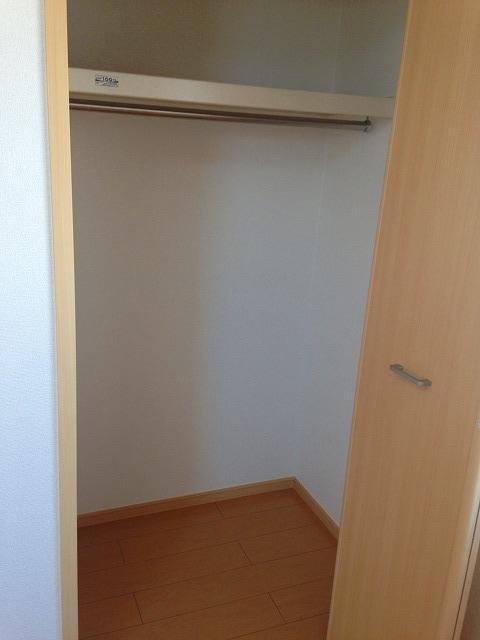 ストロベリーⅡ 02020号室の収納