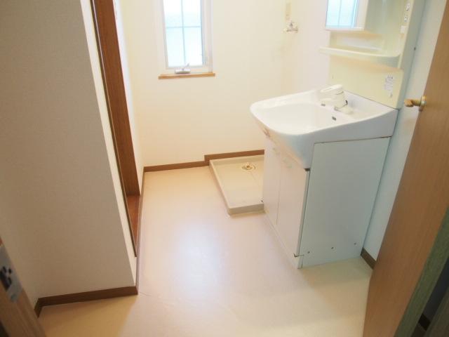 アヴェニールイズミ 01030号室の洗面所