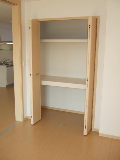 ビバリーヒルズT&Y 02010号室の収納